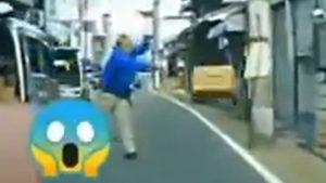 配達員が京都市伏見区深草で置き配の荷物を投げる動画